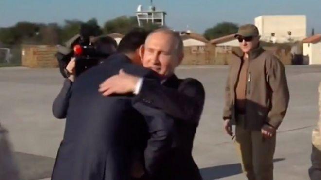 پوتین در لاذقیه: روسیه پایگاههای نظامی خود را در سوریه حفظ میکند