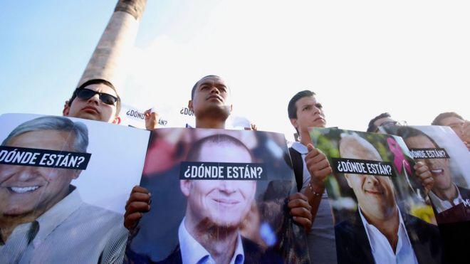 Jóvenes protestan en Guadalajara