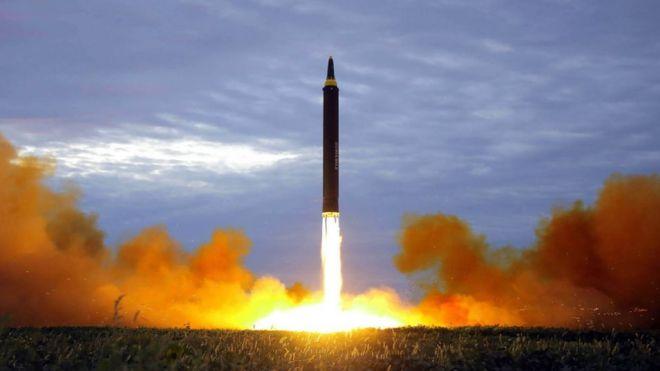 UDMH, el peligroso combustible sin el cual el programa de misiles de Corea del Norte puede quedar paralizado