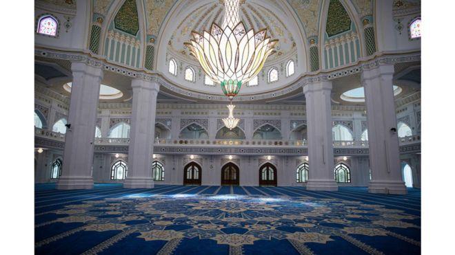 صورة للمسجد من الداخل