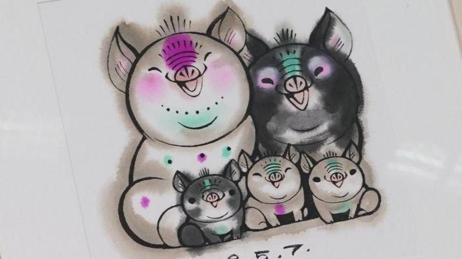 明年將會踏入豬年,中國郵政集團公司推出豬年特別版郵票,上面有兩隻大豬和三隻小豬