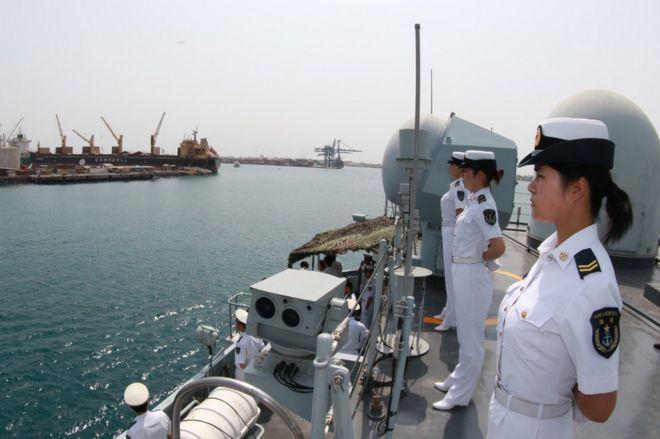 Çinli askerler ülkenin yurt dışındaki ilk üssü için yola çıktı