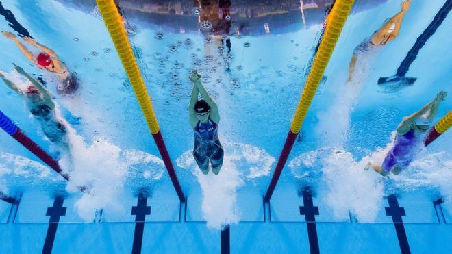 entrenamiento piscina 2000 metros
