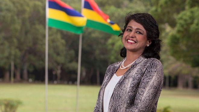 Ameenah Gurib-Fakim a été présidente de ml'île Maurice de 20015 à 2018. Chimiste de formation, elle a été doyenne de la faculté des sciences.