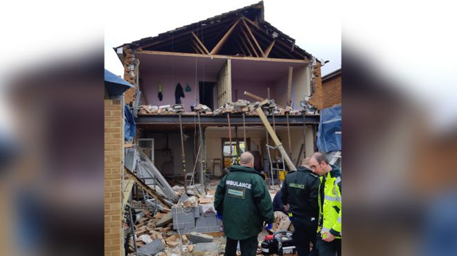 869ee1f9039 Cheshunt house collapse leaves man trapped in rubble - BBC News