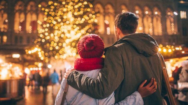 لماذا نكون أكثر رومانسية في فصل الشتاء؟