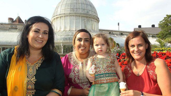 Eid al-Adha festival celebrated in Belfast's Botanic Gardens - BBC News