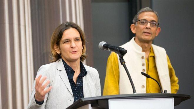 Esther Duflo y Abhijit Banerjee