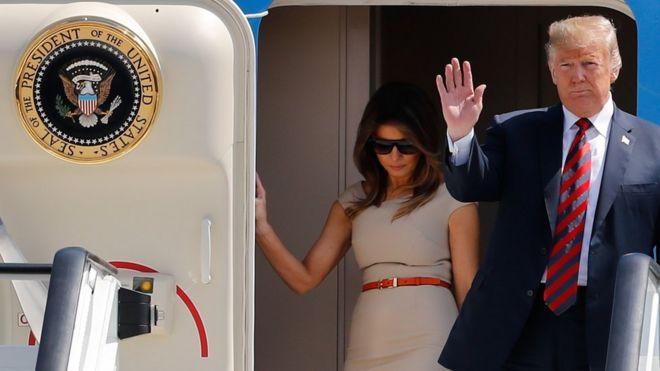 Donald Trump para chegar ao aeroporto de Stansted para a visita oficial