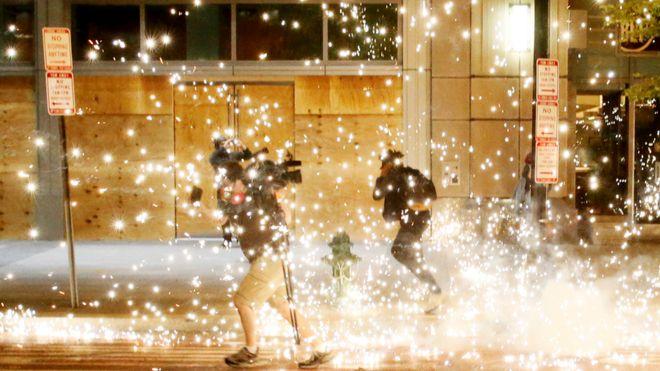 زد و خورد پلیس و معترضان در نزدیکی کاخ سفید