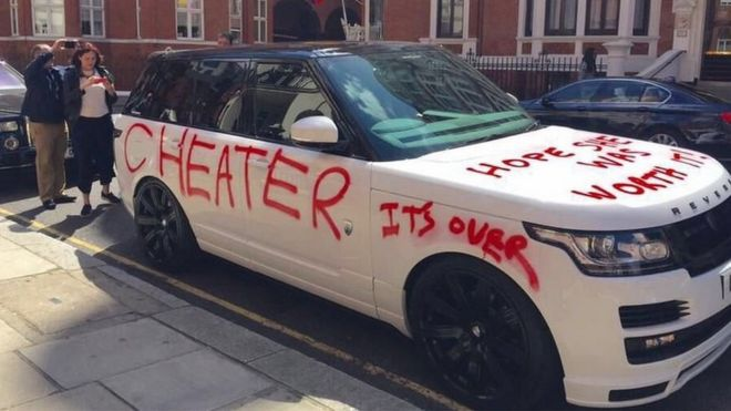 Hope She Was Worth It Spray Painted On Range Rover Car Bbc News