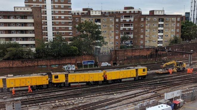 London Victoria derailment hits Gatwick Express and Southern trains