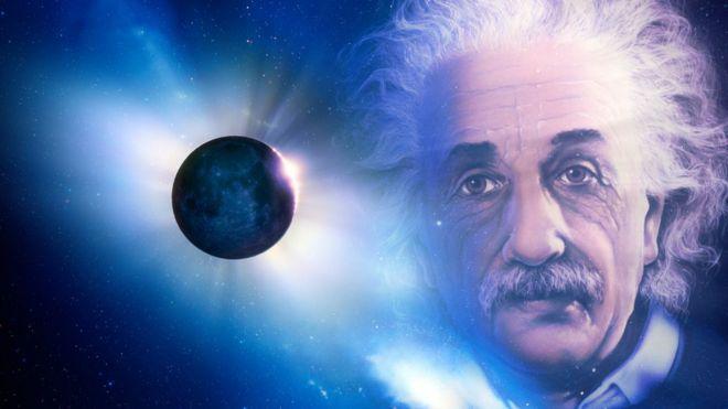 Ilustrasi foto Einstein dan gerhana total matahari.