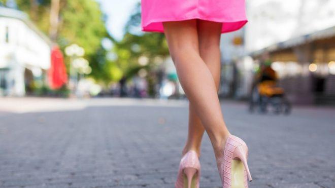 Nude pin up girls legs