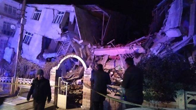 افزایش شماره کشتهشدگان زلزله ترکیه به ۲۲ نفر
