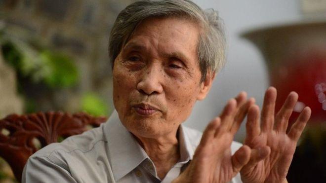 Chuẩn đô đốc Lê Kế Lâm, nguyên Giám đốc Học viện Hải quân thuộc Bộ Quốc phòng Việt Nam, gọi hành vi của Trung Quốc là côn đồ