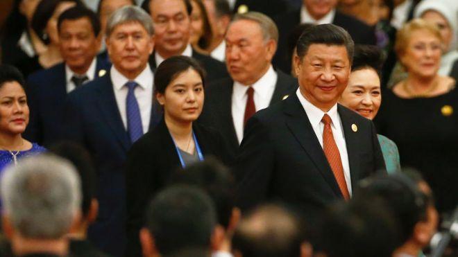 Chủ tịch Trung Quốc Tập Cận Bình đến dự tiệc chào mừng Diễn đàn Vành đai và Con đường tại Đại lễ đường Nhân dân ở Bắc Kinh, Trung Quốc ngày 14/5/2017