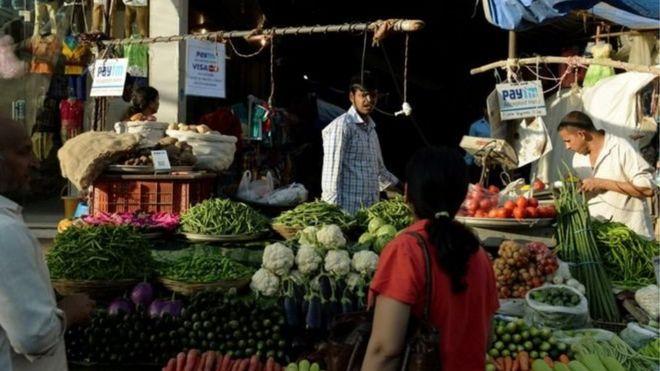 شهدت سوق الحوالات المالية باستخدام الهواتف الذكية رواجا كبيرا في الهند في السنوات الأخيرة