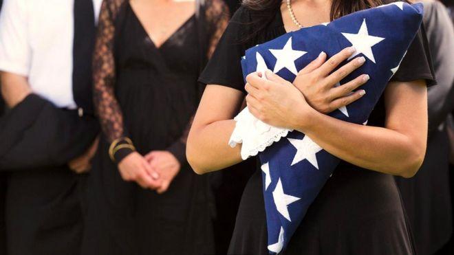 Мысли о смерти могут привести к подъему патриотических чувств и усилению антипатии к чужакам