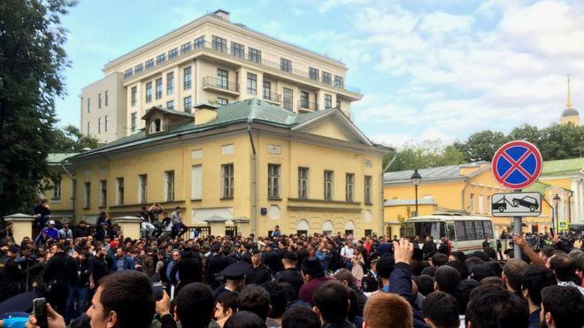 Акция мусульман у посольства Мьянмы