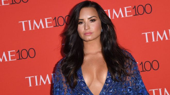 who is demi lovato dating august 2017