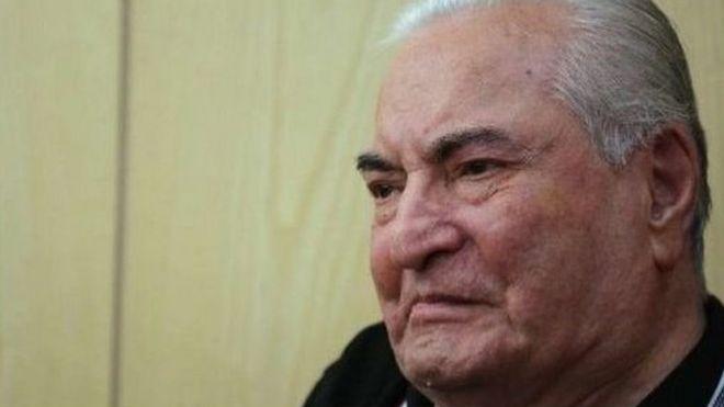 عباس امیرانتظام در سال های اخیر به دلیل عوارض سال ها زندان بیرون از بازداشتگاه تخت نظارت بود