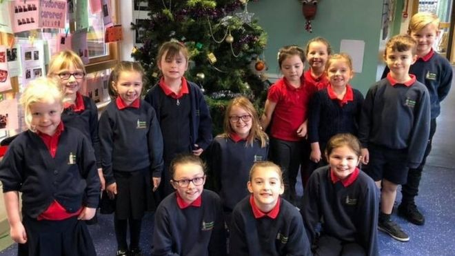 Anglesey school plea not to buy staff Christmas gifts - BBC News