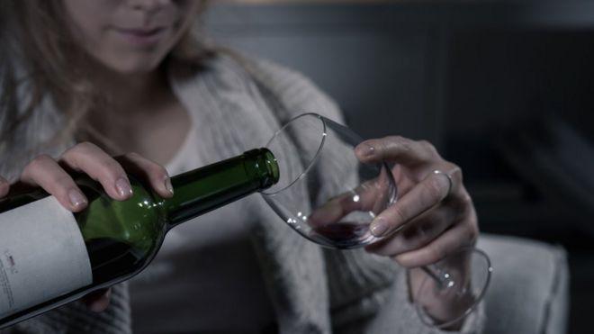 como ayudar a una persona adicta al alcohol y drogas