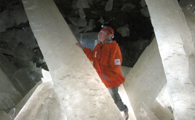 naica s crystal caves hold long dormant life bbc news