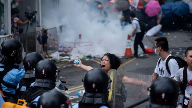 Toàn Hong Kong sốc vì biểu tình chống luật dẫn độ