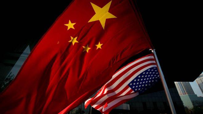 中美国旗(资料图片)