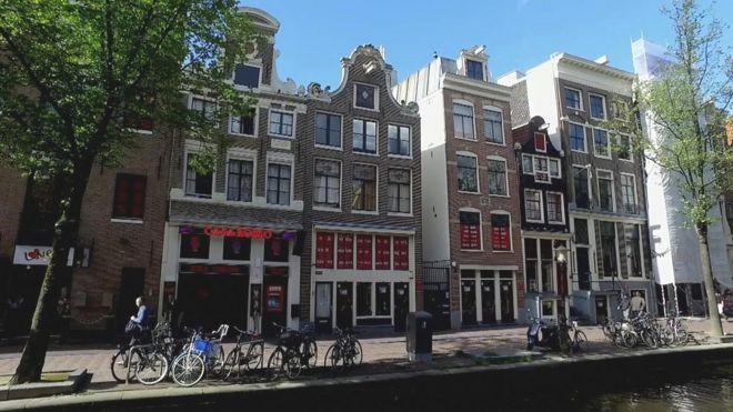 Eurostar launches London-Amsterdam route - BBC News