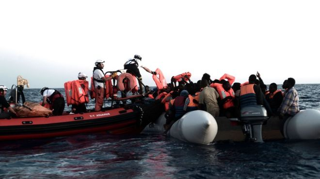 Migrants are picked up by the Aquarius on 9 June 2018