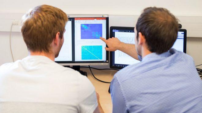 Bilgisayardaki yazılım beyin dalgalarını komutlara tercüme ediyor