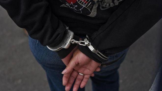New York: 'Hamile mahkum, kelepçe ve prangayla doğum yaptı'