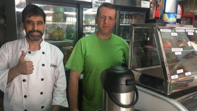 Ariel Reyes y su socio Fabián.