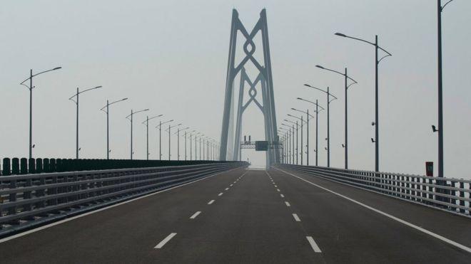 Stretch of the Hong Kong Macau bridge