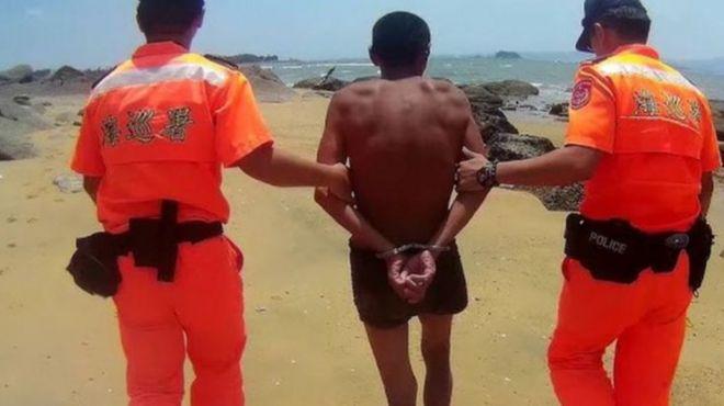 2019年一位大陆男子从福建省漳州港泳渡至金门,遭台湾海巡署人员逮捕,移送法办。