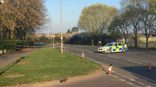 Woman dies in Waltham Abbey crash after police pursuit - BBC News