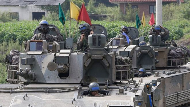 Soldados surcoreanos en un ejercicio militar