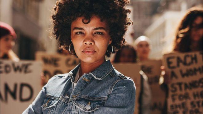 Mulher em protesto