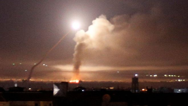 Misiles en el cielo de Damasco.