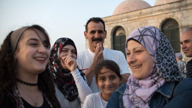أحمد وعائلته