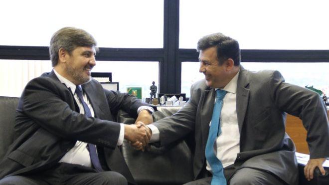 Fernando Segóvia cumprimenta Leandro Daiello