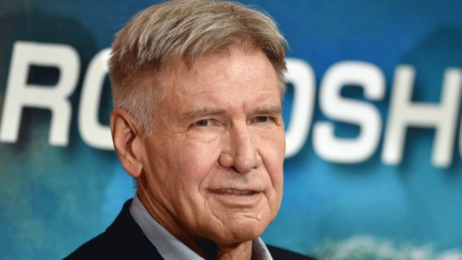 Hero Harrison Ford rescues woman from car accident - BBC News
