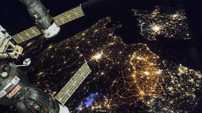 Trạm ISS sắp rơi xuống Trái Đất