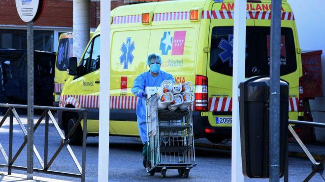 Коронавирус унес рекордное число жизней за сутки в Испании