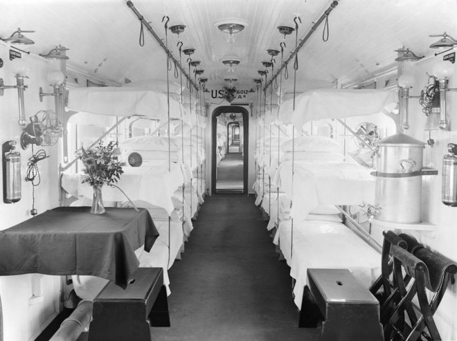 Hospital train carriage