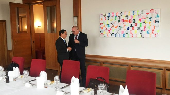Thứ trưởng Bộ Ngoại giao Việt Nam Bùi Thanh Sơn và Quốc vụ khanh Bộ Ngoại giao Đức Andreas Michaelis