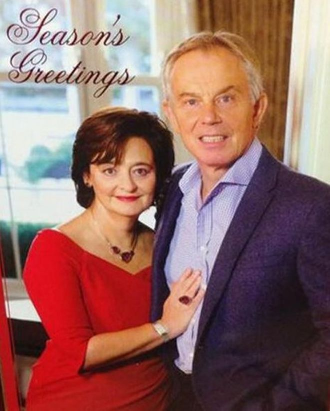 Tony Blair and the art of a good Christmas card photo - BBC News
